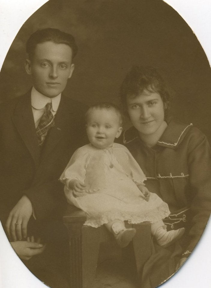 1916 - Don, Baby Eileen, Marie